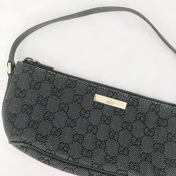 0e489ec7f51bf2 Gucci Handbags - FINAL FLASH- 90s Gucci Monogram Baguette